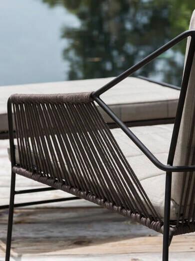Esthers-favourites-Oasiq-Sandur-fauteuil