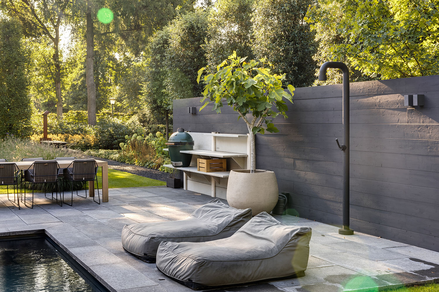 The-Garden-Store-Tuin-Interieur-Plantstyling-Tuinstyling-Esther-Biesot-buitendouche
